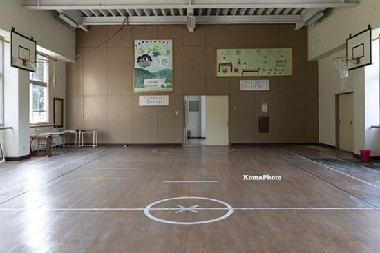 下根来小学校 体育館