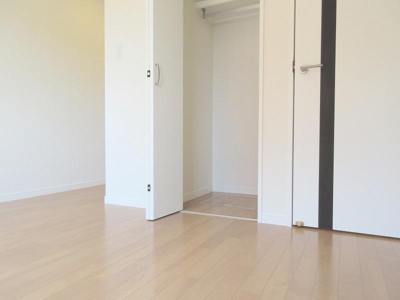 アーク・ヴィラ久保町101号室/2018年築ネット無料がうれしいROOM
