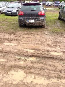 Golf auf Parkplatz