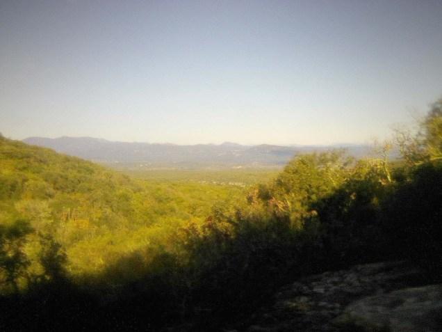 Photo bien pourrie mais normalement on voyait très bien la chaîne des Alpes et le mont Lozère tout près.