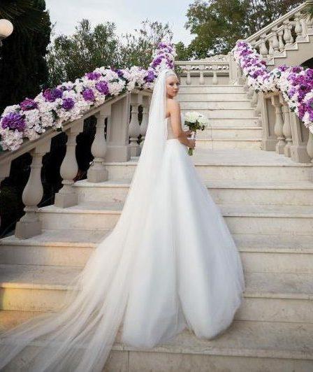 Çağrı Terlemez'le evlenen Ece Seçkin'in gelinliği gündem oldu 5