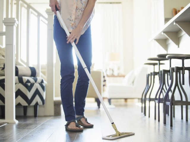 dusting sick - How to Clean Your House Professionally In 5 Hours