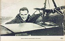 """Det franske flyver-es Jean Navarre (1895-1919) - der allerede inden den berømte """"Røde Baron"""" malede sit fly helt rødt."""