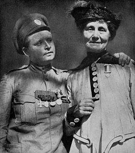 Maria Bochkareva, fotograferet sammen med den engelske kvindesagsforkæmper Emmeline Pankhurst.