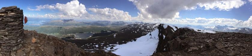 Utsikt mot øst fra Skjomtinden.