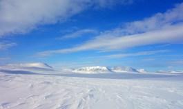 Vuorji (1024 moh.), Bieggavákgáisá (1117 moh.) og Ruitogáisá (1070 moh.). Foto: Edmund J. Grønmo.