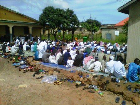 Labé : des forces de l'ordre investissent le lieu de prière des sunnites