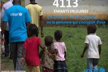 Plus de 16 000 enfants ont perdu leurs parents ou les personnes qui s'occupaient d'eux à cause du virus Ebola, selon l'UNICEF