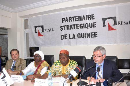 RUSAL offre 40 000 doses de vaccins contre la rougeole au gouvernement guinéen