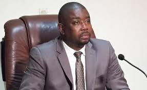 Agriculture-Boké: le ministre Yombouno offre 1000 sacs et 100 bâches aux producteurs de Cajou