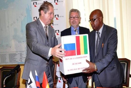 La Fédération de Russie et Rusal offrent un lot de consommables médical à la Guinée