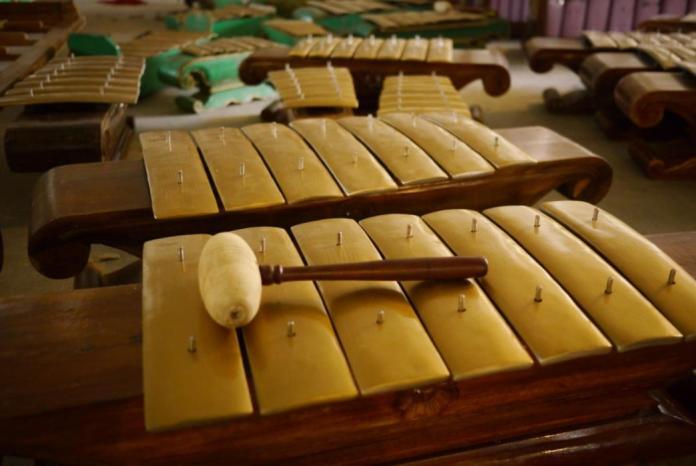 gambar alat musik tradsisional