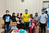 Gubernur NTB Beri Dukungan Moral Ibu-ibu Pelempar Pabrik Tembakau