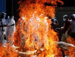 Perjuangan Makamkan Jenazah Covid-19 di India