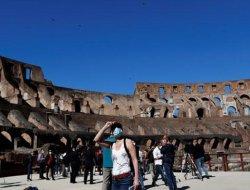 Italia Rencanakan Pencabutan Kewajiban Memakai Masker