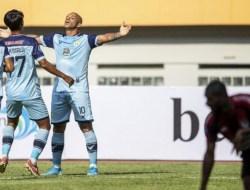 BRI Liga 1 2021 : Persipura Keok dari 10 Pemain Persela