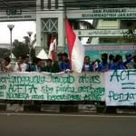 Aktivis Komando Tolak HLP on Post 2015 Development Agenda di Bali