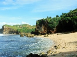 pantai ngedan, yogyakarta, gunung kidul
