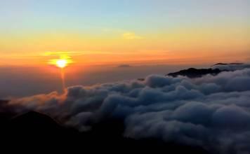 golden sunrise, puncak sikunir, dieng