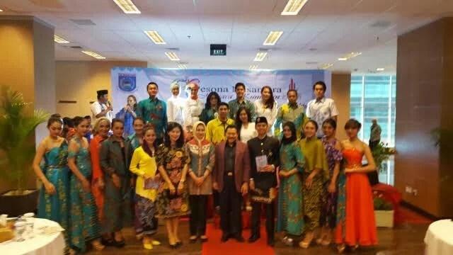 Walikota Airin Rachmi Diany dalam acara Pekan Anggrek Van Douglas dan Atraksi Seni Budaya KOta Tangerang Selatan (Tangsel) di Menara Kuningan Jakarta