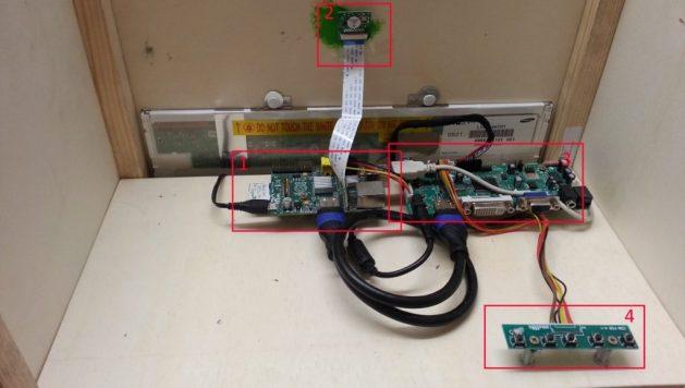 1) Raspberry Pi mit SD-Karte, 2) Pi Kamera, 3) LCD Driver Board, 4) Monitorsteuerungsboard