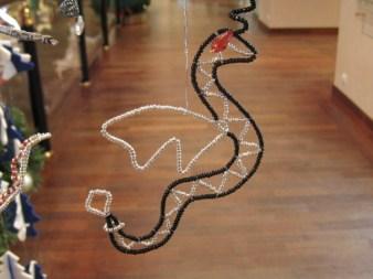 Новогоднее украшение змей-дракон