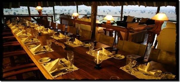 Apoka-Lodge-Dining