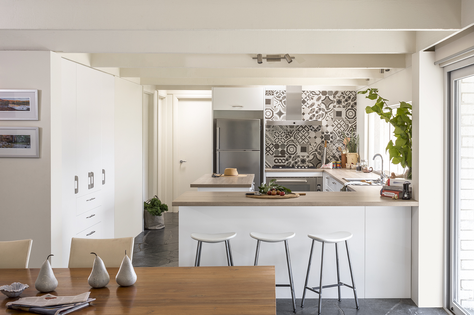 Small L Shaped Kitchen Layout