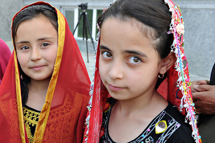 Afghan girls.