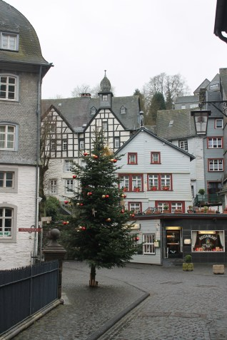 Christmas decorations in Monschau