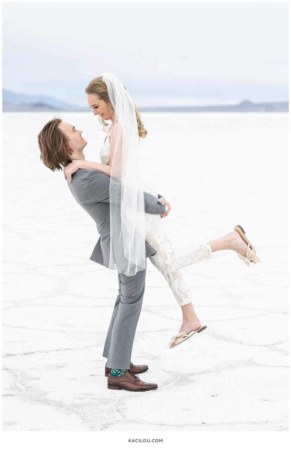 utah elopement photographer kaci lou photography bonneville salt flats sneak peek photos for kylie and max-19.jpg