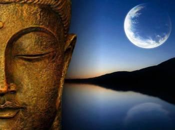 Buddha and lake