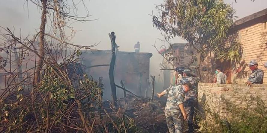 कपिलवस्तुमा आगलागी हुँदा २५ घर–गोठ जलेर नष्ट