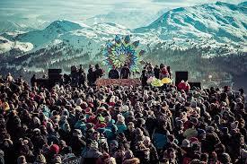 Crowd of Snow