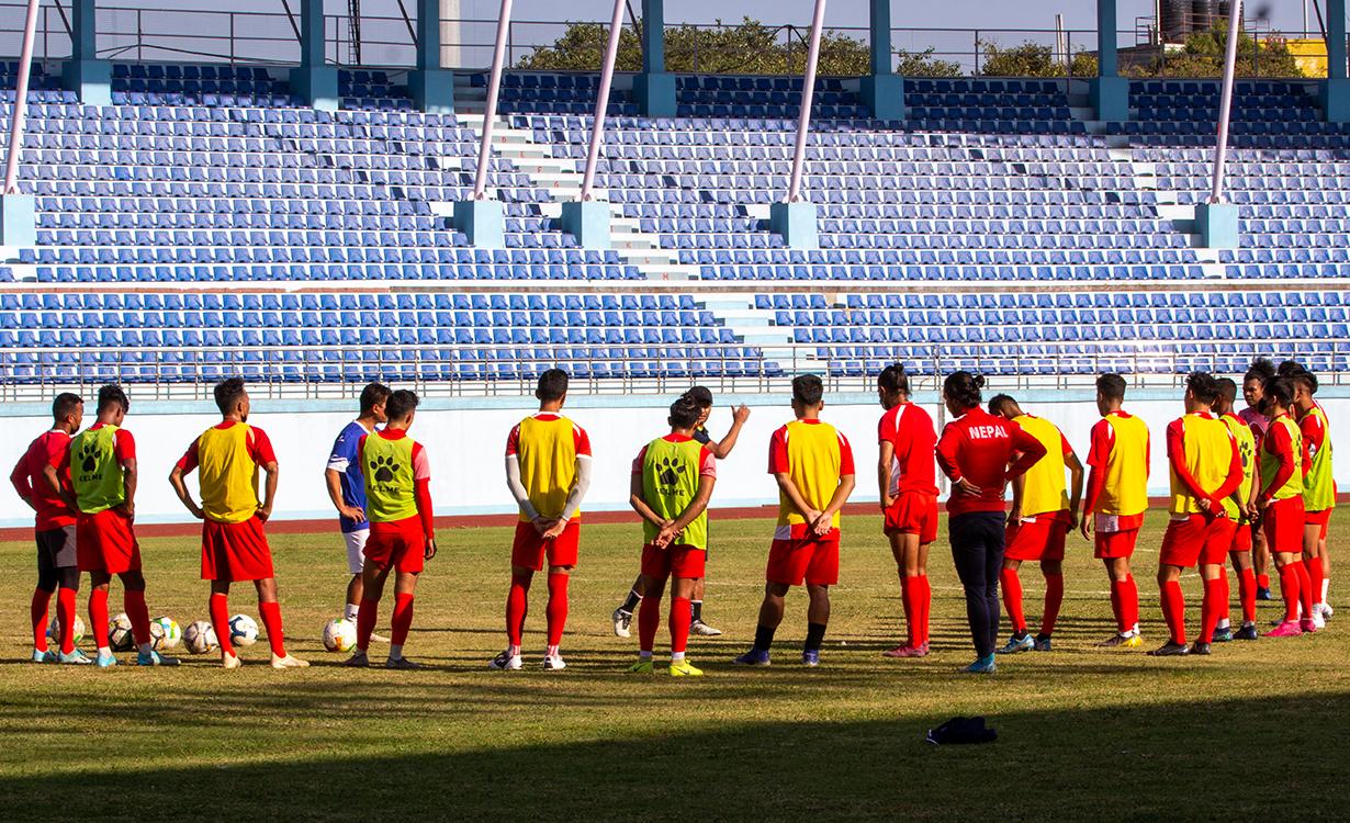 नेपाली राष्ट्रिय फुटबुल टिमको बन्द प्रशिक्षण रंगशालामा सुरु