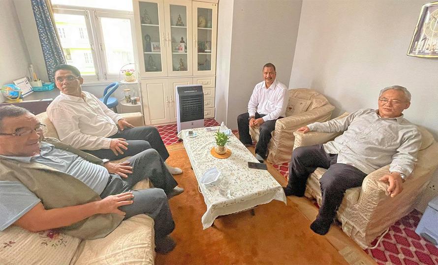 रामबहादुर थापा बादल र नेकपा महासचिव नेत्रविक्रम चन्दबीच भेटवार्ता