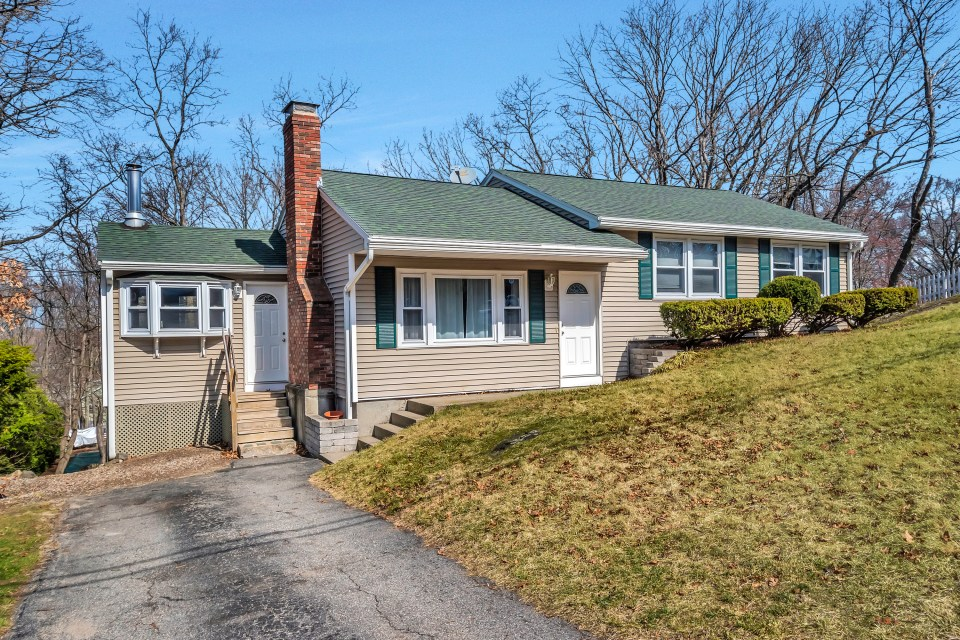 30 Blueberry Hill Road, Woburn MA