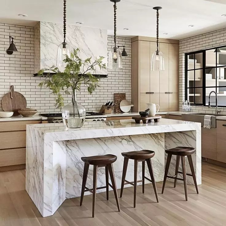 d8348054590dec3db619a0bb529e45bd--wood-stool-white-subway-tiles