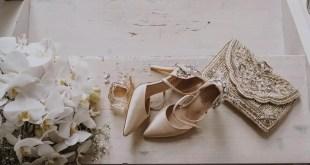 kış düğünü için gelin ayakkabısı