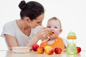 Bebeklerde Ek Gıdaya Ne Zaman Geçilmelidir?
