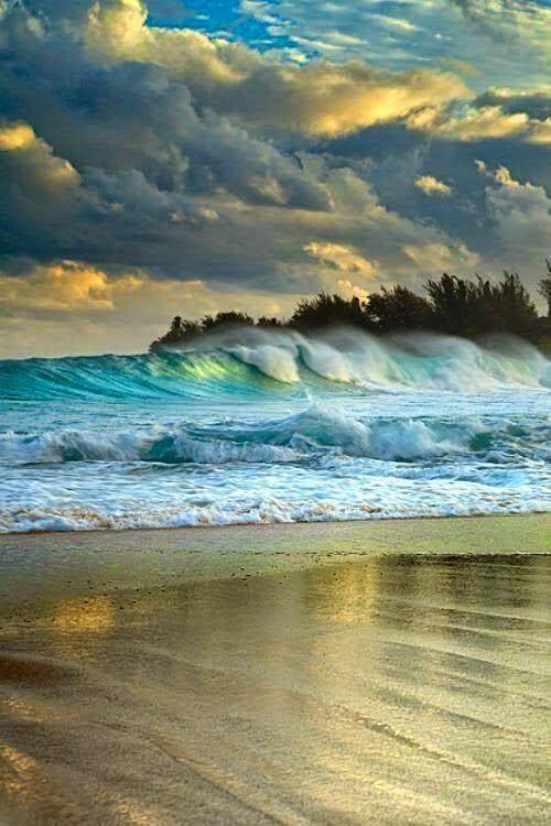 Crashing Waves from Elemental Water by Kaelin Design
