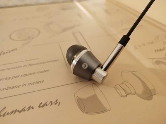 รีวิวหูฟัง 1MORE Triple Driver In-Ear Headphones 2