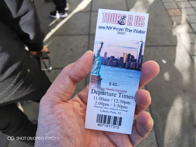 ตั๋วของ Tours R Us นี่ดูแล้วเหมือนตั๋วเที่ยวเทพีเสรีภาพเลยครับ