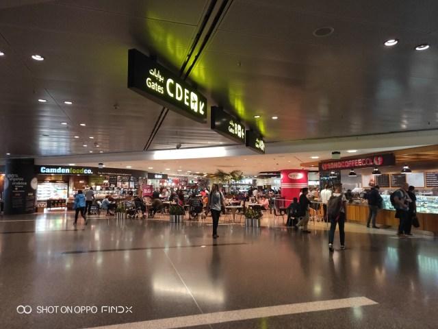 ภายในสนามบิน Hamad International Airport ประเทศกาตาร์