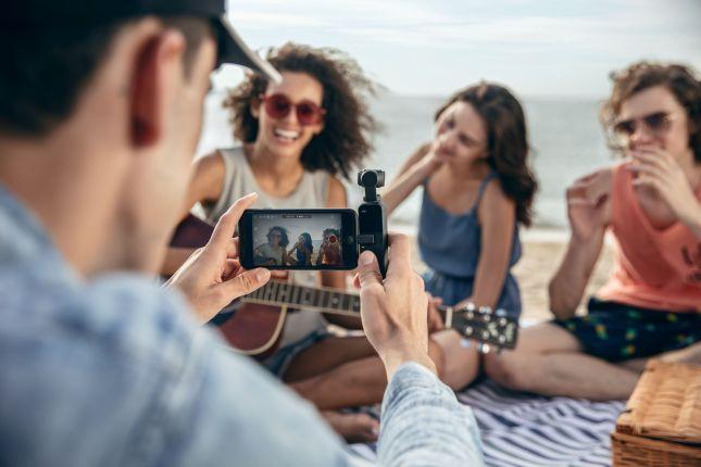 เก็บช่วงเวลาประทับใจง่ายๆ ด้วยกล้องพกพา DJI Osmo Pocket 6