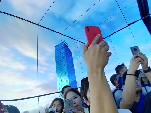 ลิฟต์พาขึ้นชั้น 74 เป็นลิฟต์ที่เร็วที่สุดในไทย ใช้เวลา 50 วินาทีในการเดินทาง
