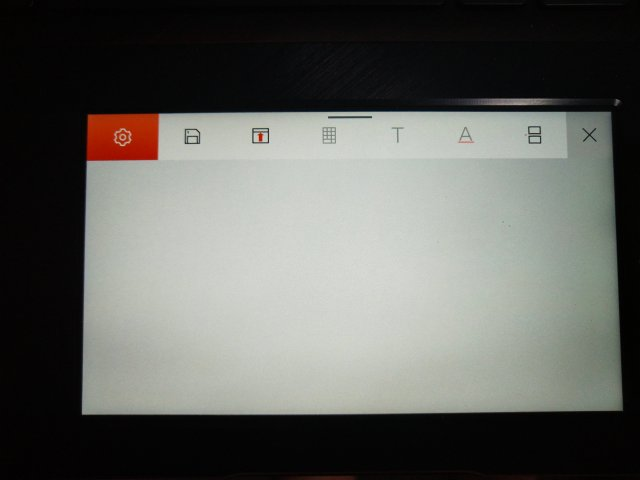 หากใช้ Microsoft Office ตัว ScreenPad จะมีพวกปุ่มลัดไปยังฟังก์ชันที่ใช้งานบ่อยๆ ของโปรแกรมมาให้กดง่ายๆ