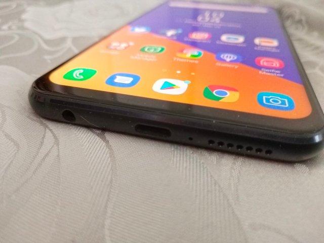 ASUS Zenfone 5z ด้านล่าง