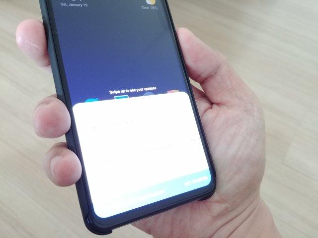 ที่เพิ่มเข้ามาอีกอย่างคือปุ่ม AI Assistant button ที่กดแล้วเรียกใช้ Google Assistant ได้เลย