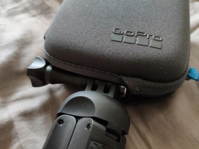 Soft case ที่แถมมาให้ เอาไว้ใช้ร่วมกับ GoPro Fusion Grip ได้ ไม่ต้องถอดออก